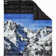 2017 supreme tnf nuptse blanket