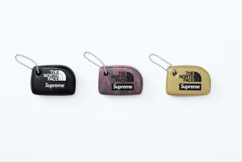 20SS SUPREME FLOATING KEYCHAIN